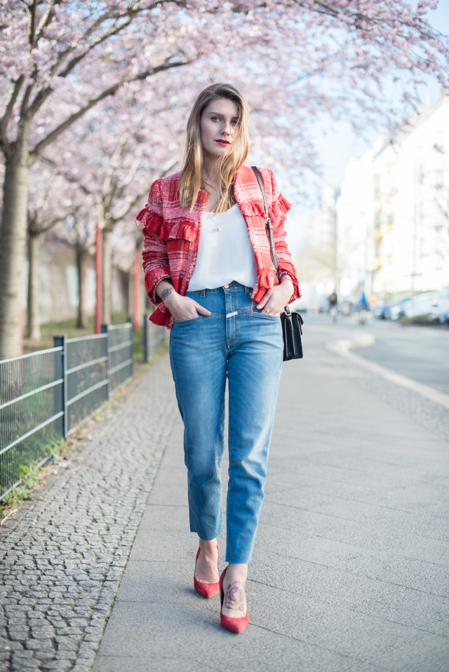 cherry_blossom_spring_outfit_closed_jeans_1